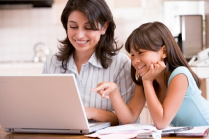 parent-and-child-on-computer