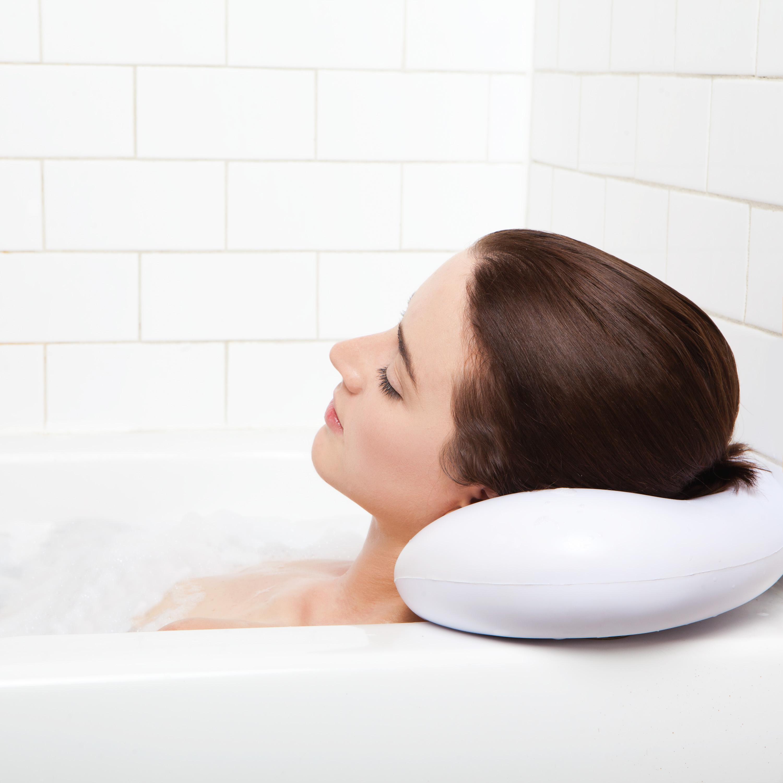 Bath Pillow | Happy Homemaker